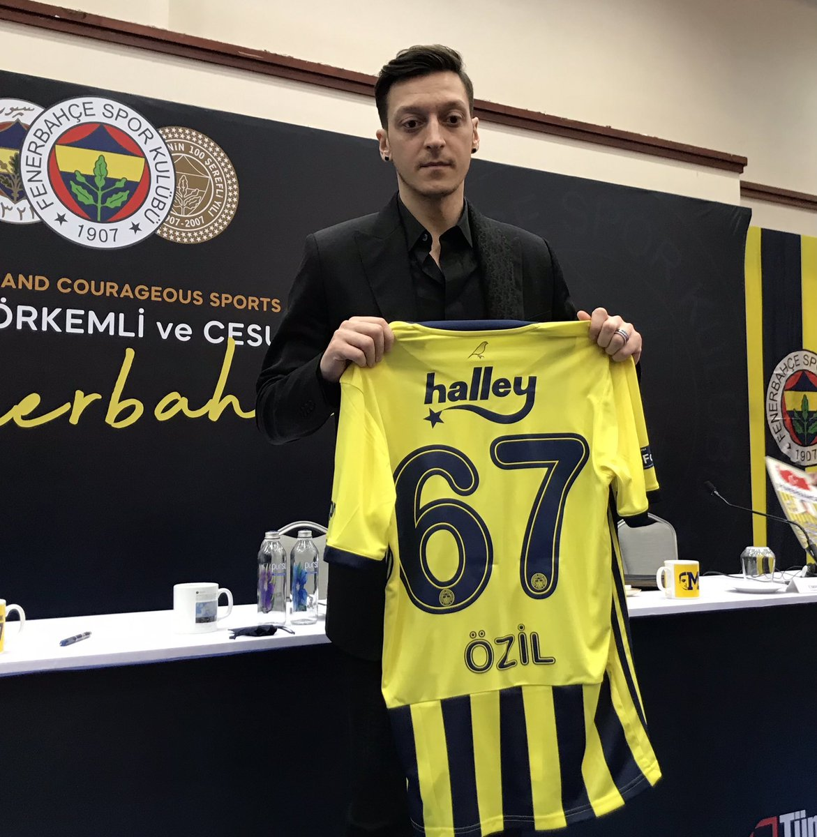 Mesut Özil has been presented to the media after his move to Fenerbahçe was confirmed. https://t.co/DYq5uCUTia