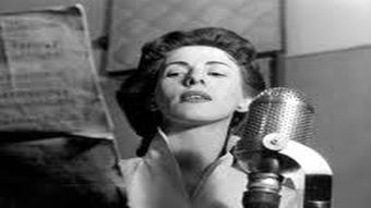 """On #HolocaustRemembranceDay interesting to remember that very first person to perform on the #Eurovision stage in 1956,  Jetty Paerl, was of Jewish descent and a contributor to """"Radio Oranje"""" in WW2, broadcast to NL from London by Dutch exiles.  A life story way beyond ESC. 🇳🇱"""