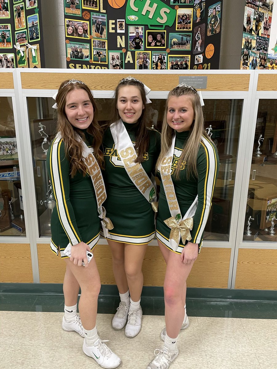 @dionnewarwick It was senior night at Clay High School in Oregon, Ohio. My daughter is on the left. The girls have only been able to cheer at home games and only parents can attend. #senior2021 #dionnewarwick