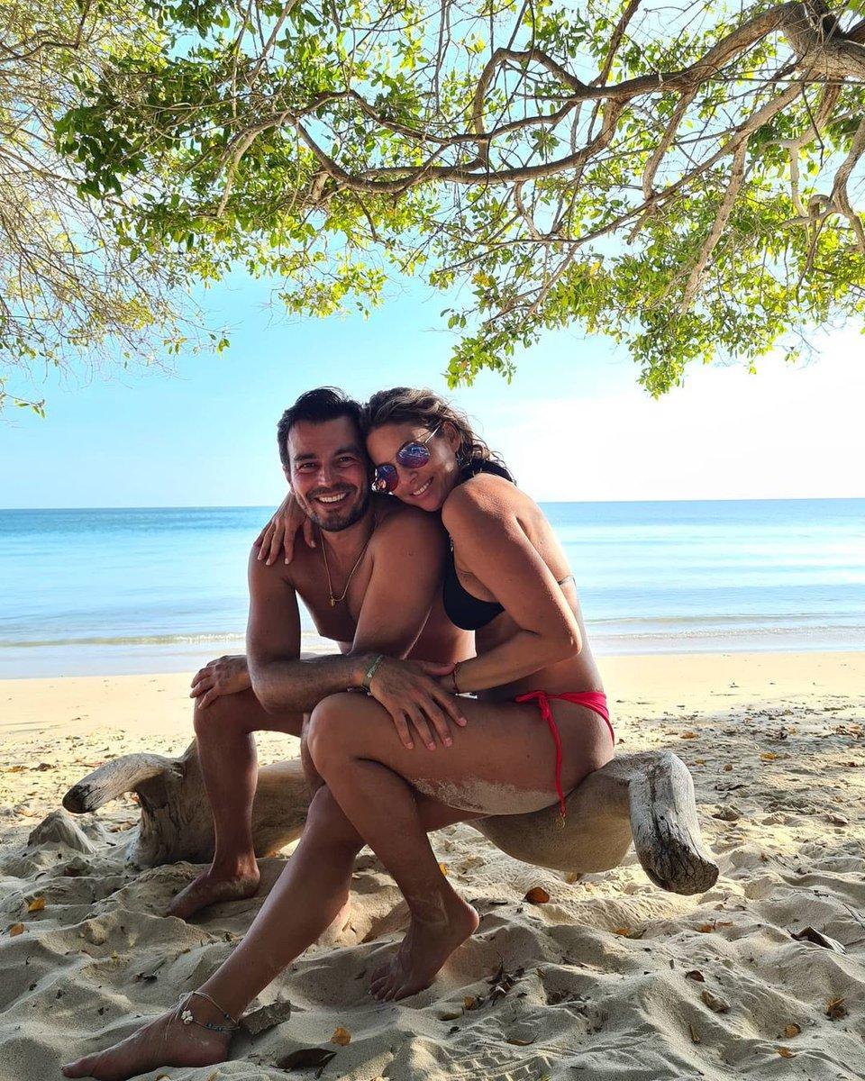 🥰🥰❤️❤️  #Repost @Lucianoda   Esta si salió a la primera mi @RequenaCNN viéndo a cámara, como debe ser!! 😜❤😘 #iloveyou  #beach #goodvibes #wednesday #photography