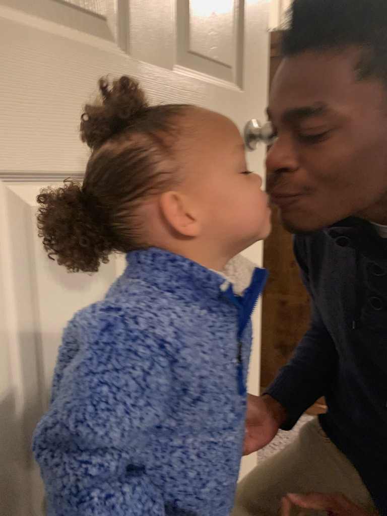 @dionnewarwick My granddaughter loving on her daddy after he finished getting her ready (hair too) for daycare🥰 #dionnewarwick