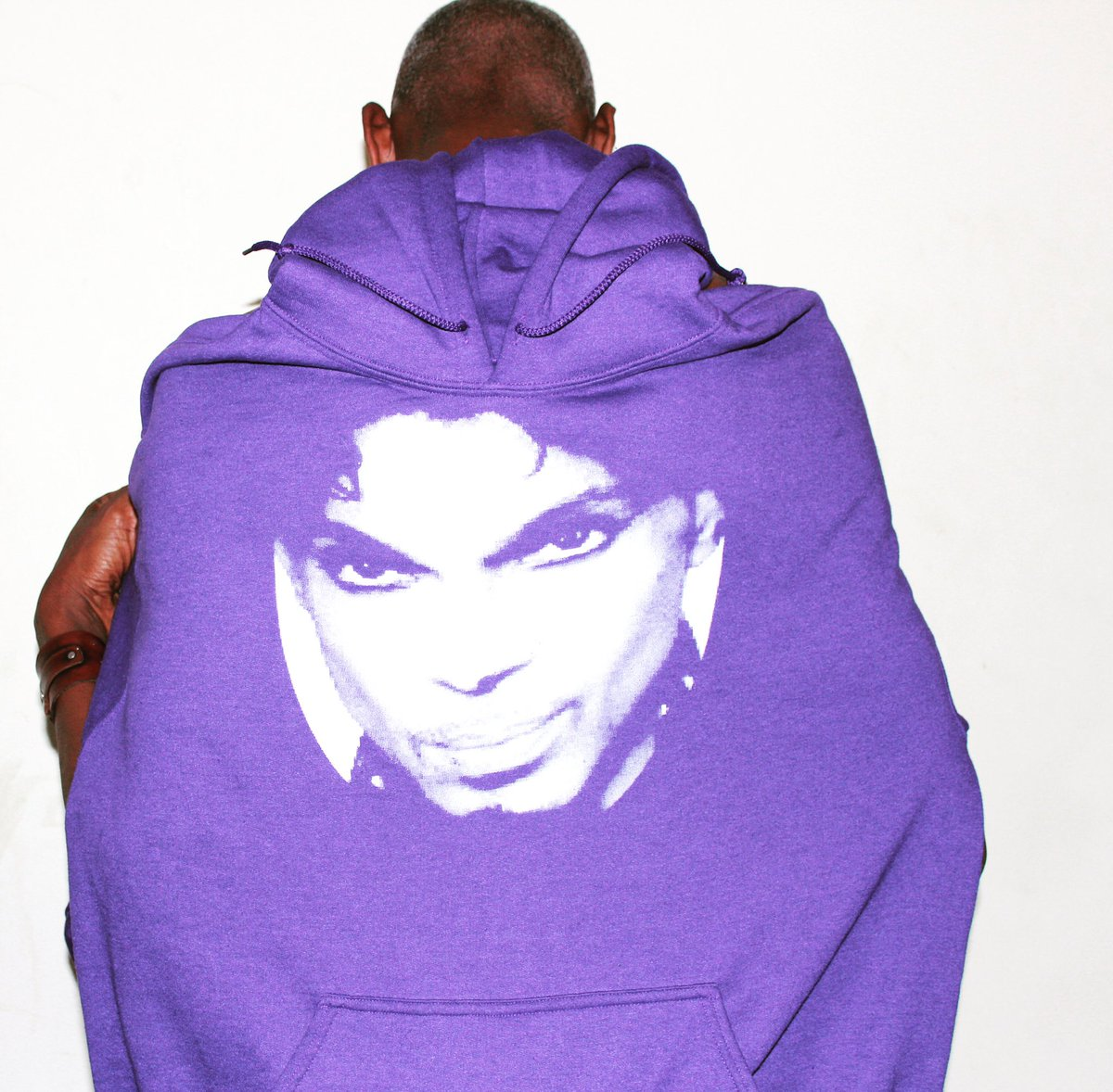 """""""... I never wanted to be your weekend lover I only wanted to be some kind of friend, hey,..."""" ☂️☔️☂️☔️ #hoodie #princefans #purplerain #purplerain💜"""