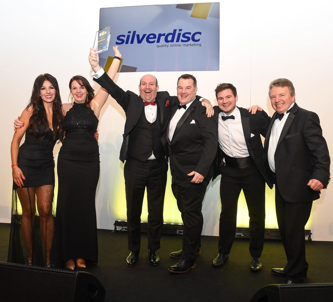 If your business is based in the UK and has less than 250 employees, you can enter the 2021 SME National Business Awards! 🏆🎉  Nothing beats that winning feeling...   Learn more:    #Awards #UKBusiness #Winning