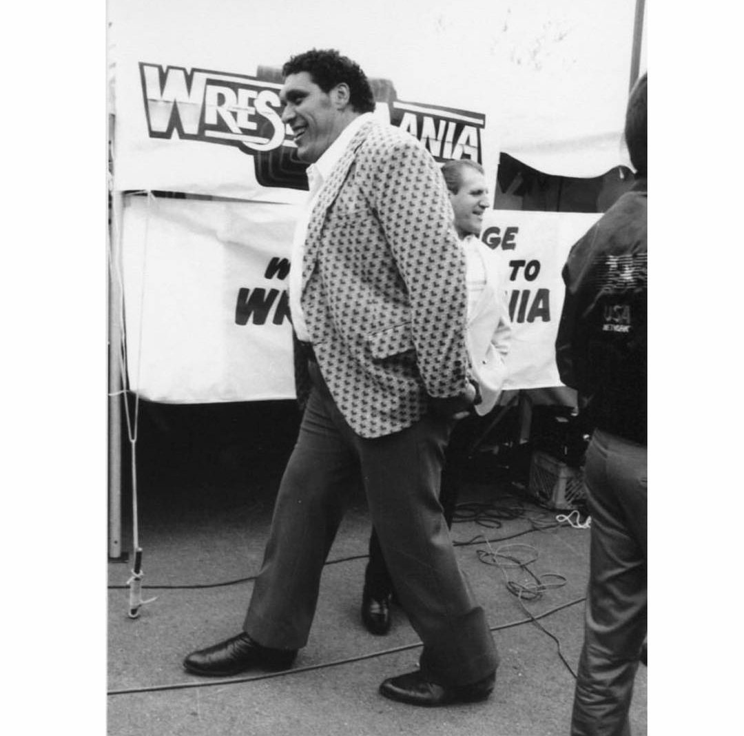 Remembering Andre The Giant, who passed away 28 years ago today 🙏🏼