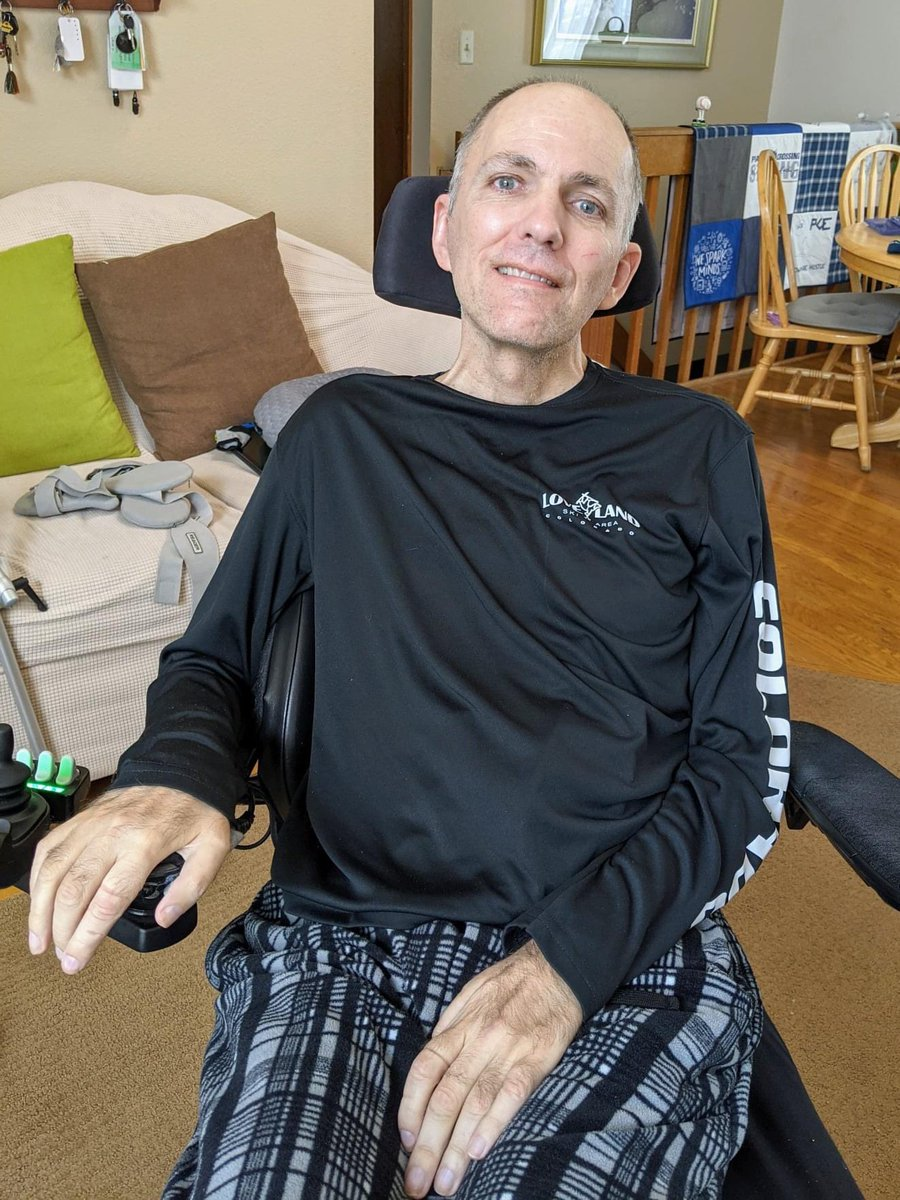 Meet Steve Martin.  He is one of the most kind, thoughtful, positive and pragmatic people I virtually know.    Steve inspires everyone he touches.  Steve has #ALS.    Yet he keeps keeping on.    #wednesdaythought #nowhiteflags #inspirational #changemustcome ✌🏻