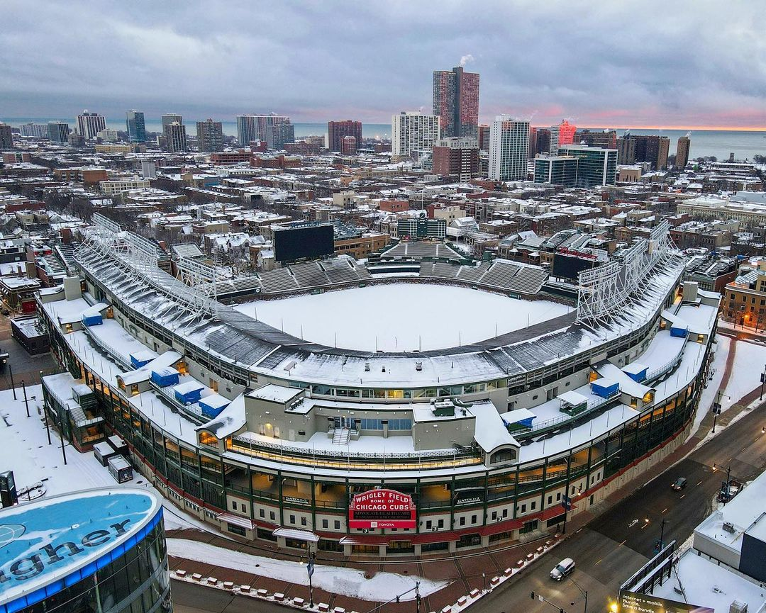 Replying to @Cut4: The snowy confines.  (via @abovethechi)