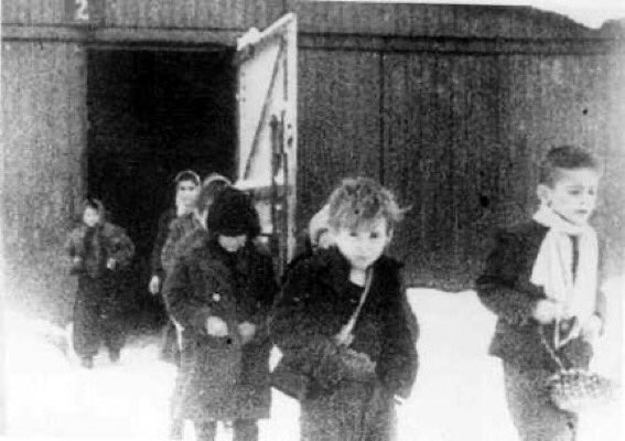 76 years ago Auschwitz was liberated. More than one million children, women and men were murdered there as part of the Holocaust. A dark lesson of history; humanity owes it to each of the victims to ensure it will never happen again. #HolocaustMemorialDay #LightTheDarkness