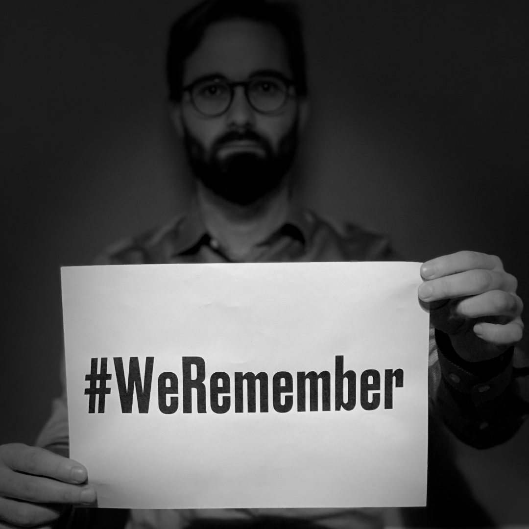 #WeRemember die ca. 6 Millionen Juden, die von den Nazis ermordert wurden.  1/