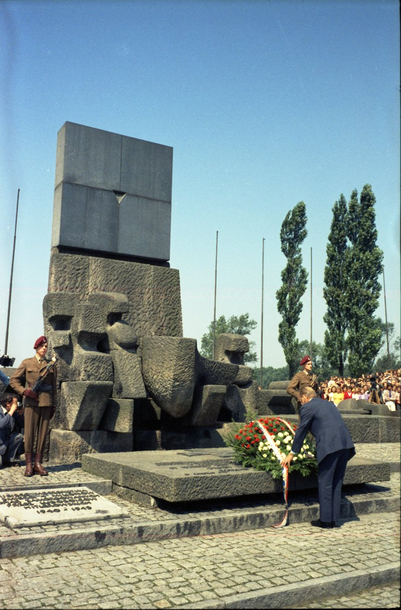 President Ford participated in a wreath laying ceremony at the Oswiecim International Monument in Poland on 7/29/1975 in honor of those who died at Auschwitz concentration camp during World War II. #HolocaustRemembranceDay #WeRemember   📷: