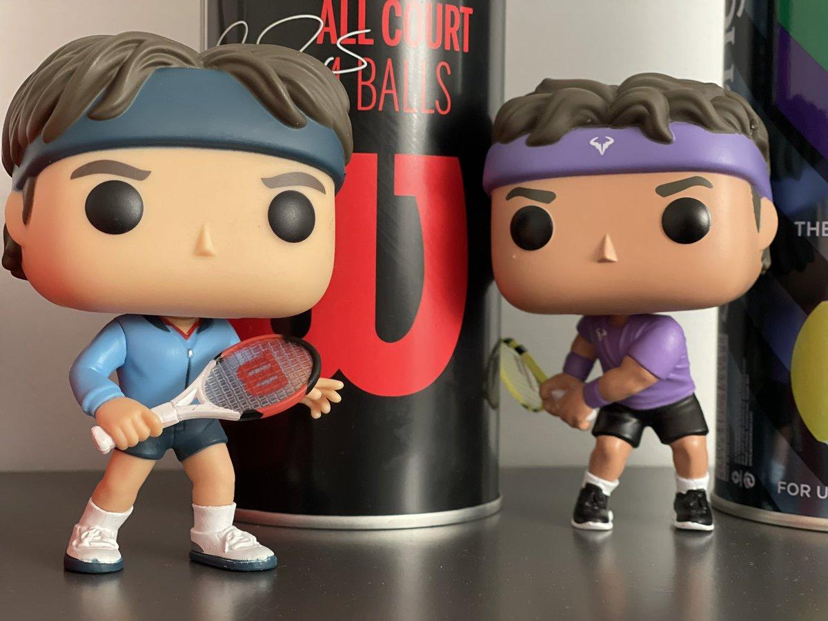 🎾 Elles sont arrivées les deux Pop Tennis Legends !   Celle de #Nadal 🇪🇸 étant plus chère que celle de #Federer 🇨🇭 signifie-t-il que c'est LE GOAT !? 🤔😂🤓   #AusOpen | #AustralianOpen2021 | #AustralianOpen https://t.co/QgkBY5g7ml