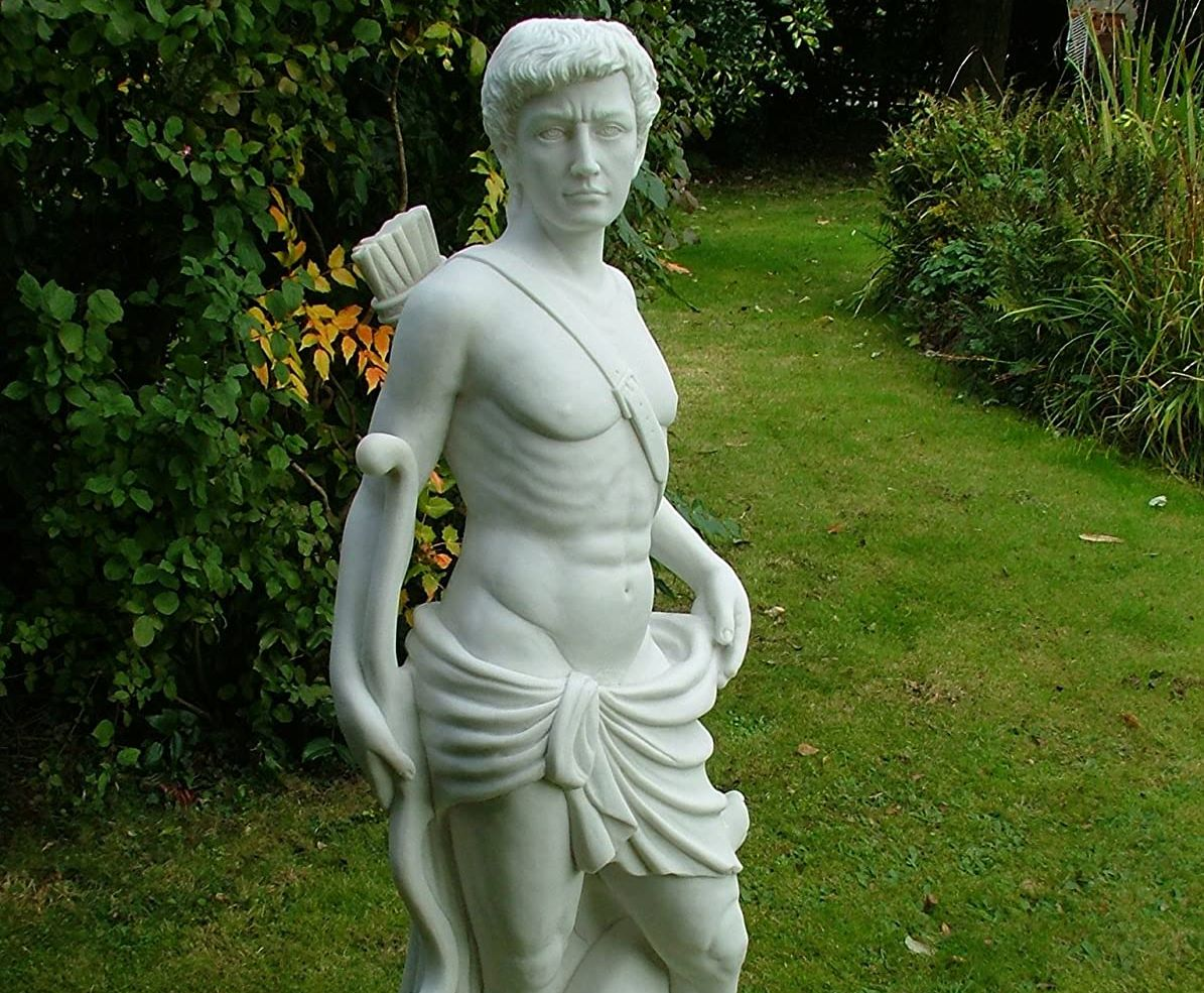 @DeliaCazzato @Tweedyteacup A relic??? In a museum??? Wot like this??  #ancient #70s  #hair #StatuesLivesMatter 😁🏛️🏹