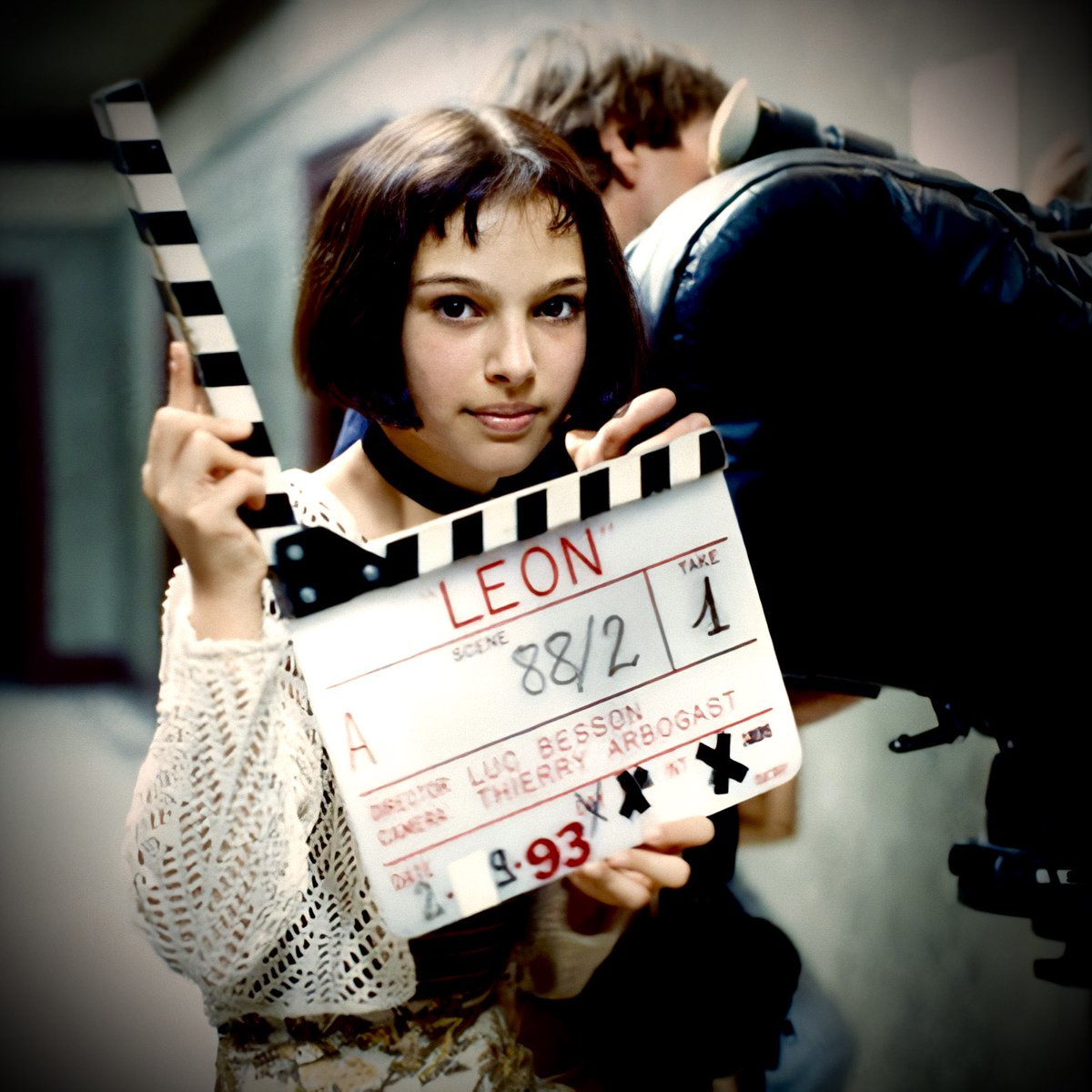 Leon el profesional (1994) Director: Luc Besson  Detrás de las cámaras #BehindTheScenes #NataliePortman #JeanReno #garyoldman