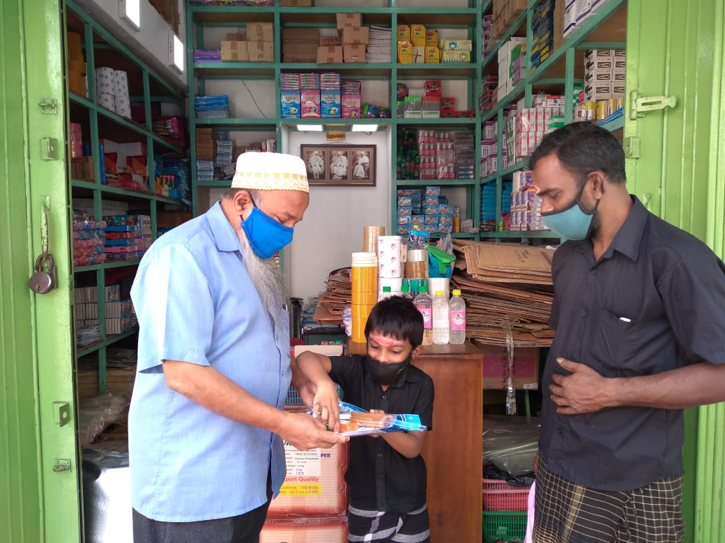 Our @Dawoodi_Bohras members in #SriLanka distributed school stationery among less-fortunate children on Thai #Pongal day.   Children are indeed our precious yield for tomorrow.