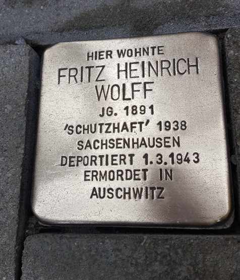 Thanks to @DiePolierer for keeping the #Stolpersteine of my mother's uncle Fritz Wolff polished. He lived at Dresdener Strasse 95, Berlin before deportation to #Auschwitz #NeverAgain #NieWieder @BnaiBrith @lbinyc @jmberlin