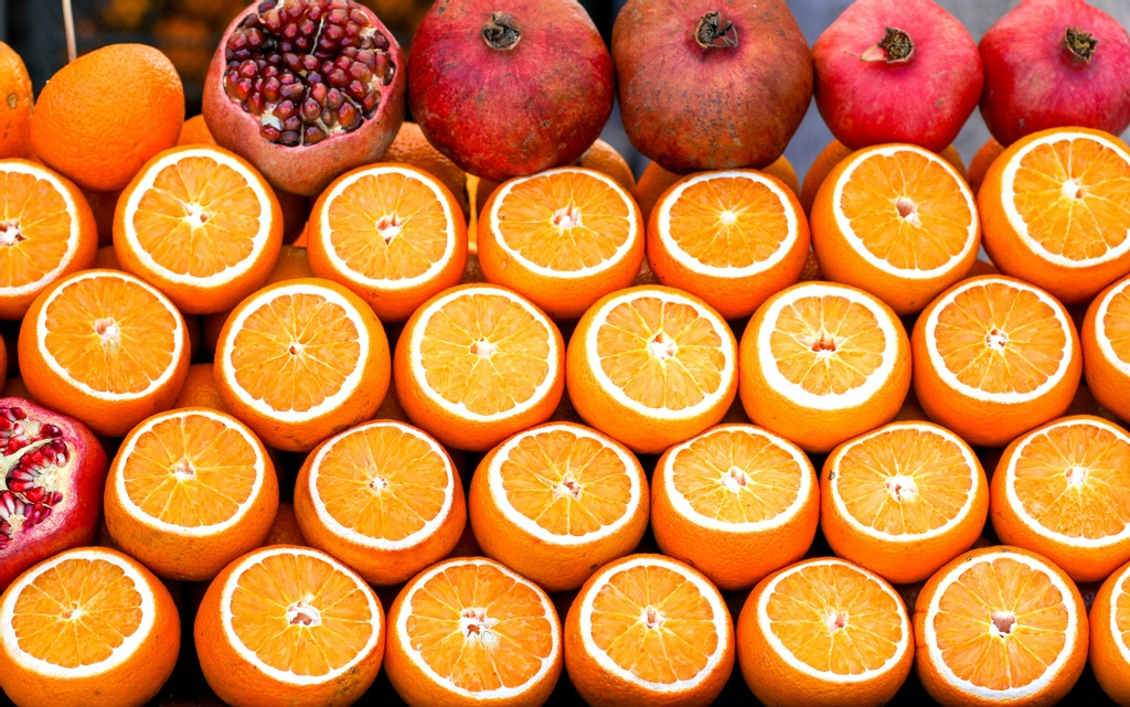 Oranges and pomegrantes are full of Vitamin C and antioxidants. Vitamin C also helps your body absorb iron, a mineral necessary for hair growth.   How often do you get your take of this amazing vitamin? Share in the comments below. #VitaminC #Antioxidants #HairGrowth https://t.co/RcCrXRrZnX