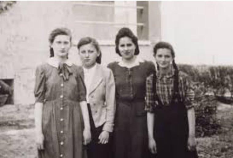 Estas chicas eran peones en un gran plan de destrucción humana, pero frustraron ese plan al sobrevivir y dejar su testimonio a sus familiares  #HolocaustRemembranceDay