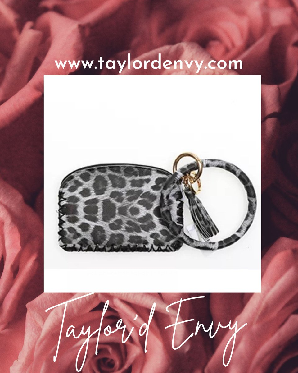 💞Shop Now💞  Search: Keychains & More  #TaylordEnvy #FashionJewelry #Accessories #MustHaves #AffordableFashion #OnTrend #ShopNow #ValentinesDay #Keychains