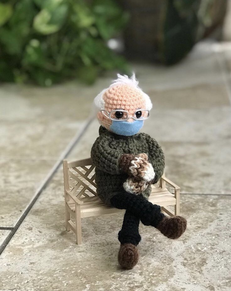 #dionnewarwick although the original went viral, but i realy adore this crochet version of Bernie