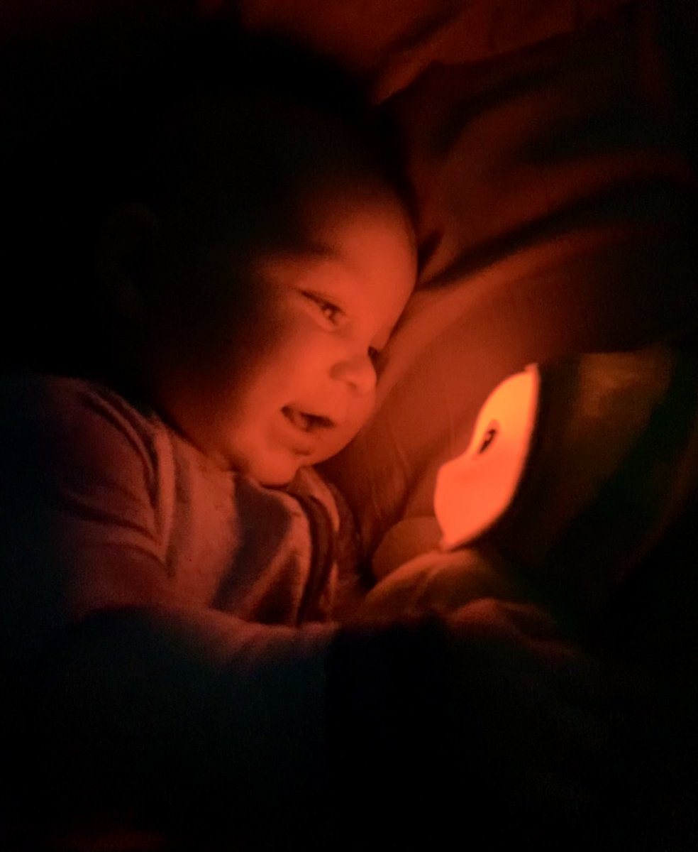 @dionnewarwick #dionnewarwick my 6 month old son loves his @playskool glo worm! Such joy!