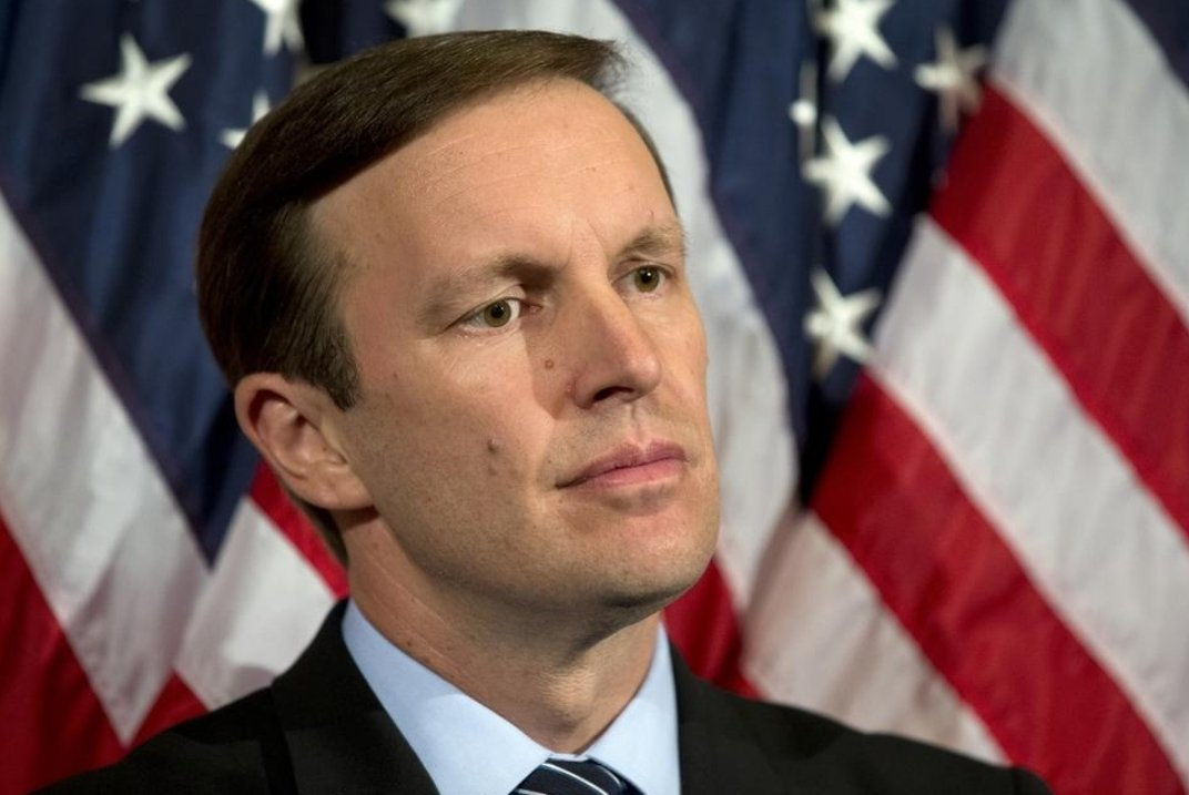 Senator @ChrisMurphyCT, steering #US policy for the better, knows what needs to be done with the long outdated @UN Security Council Resolution 2216 which was used as a false cover by #Saudi Co to justify its unlawful war and blockade against the Yemeni people.  #DayofAction4Yemen