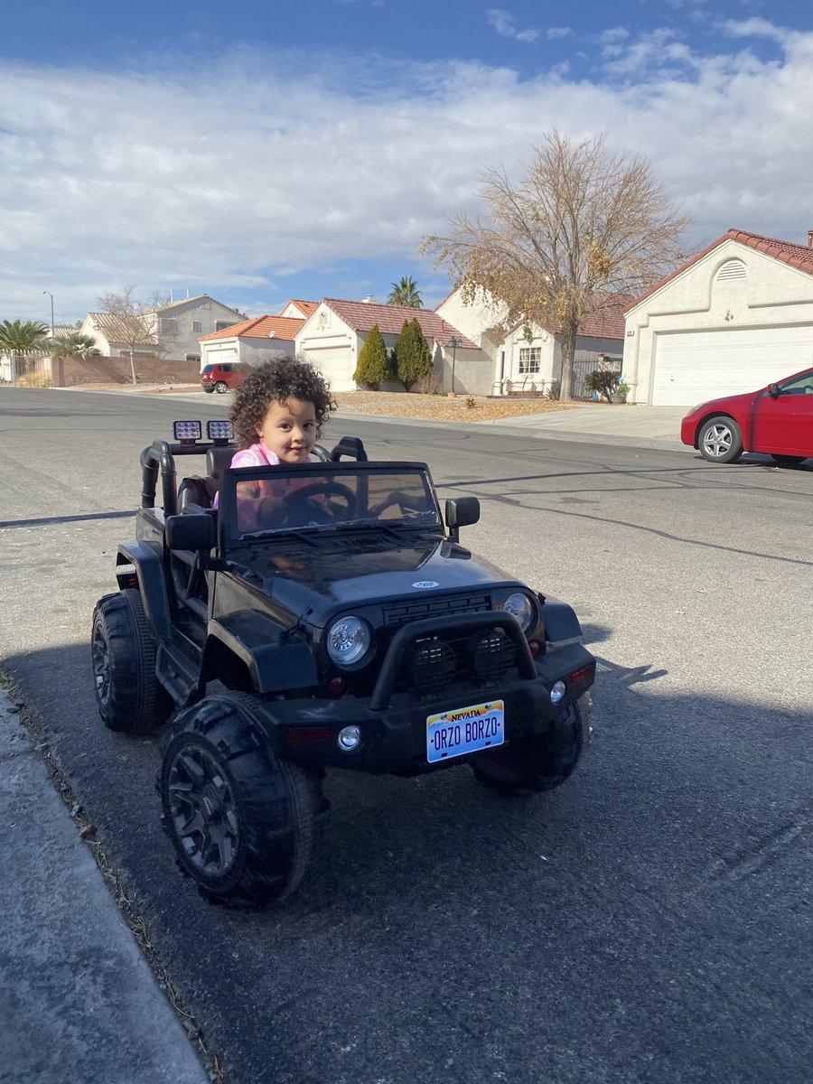 @dionnewarwick My beautiful granddaughter enjoying her Jeep. #dionnewarwick