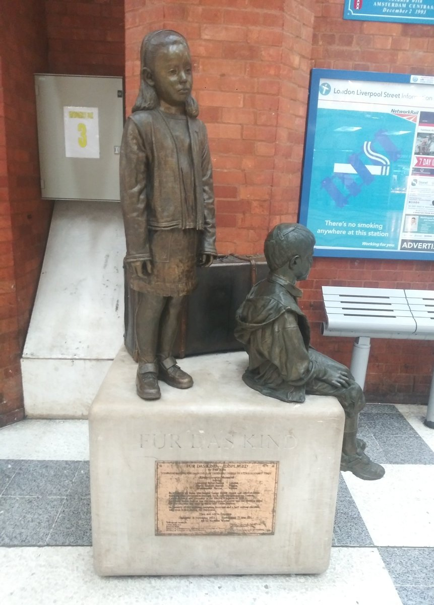 """Just saw that today is #HolocaustRemembranceDay and the first thing that came to mind was seeing """"Fur Das Kind"""" in the Underground last spring in London.  The memorial honors the Quakers for """"instigating the Kindertransports"""" and moving Parliament to change UK law to accept (1)"""