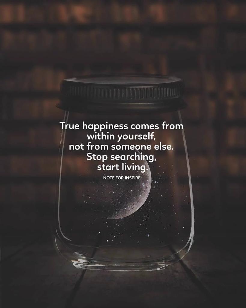 """There are so many beautiful reasons to be happy."" #ThursdayThoughts #thursdaymorning #ThursdayMotivation #ThinkBIGSundayWithMarsha #positivity #PositiveVibes #Leaders #runningchronicles #Entrepreneur"