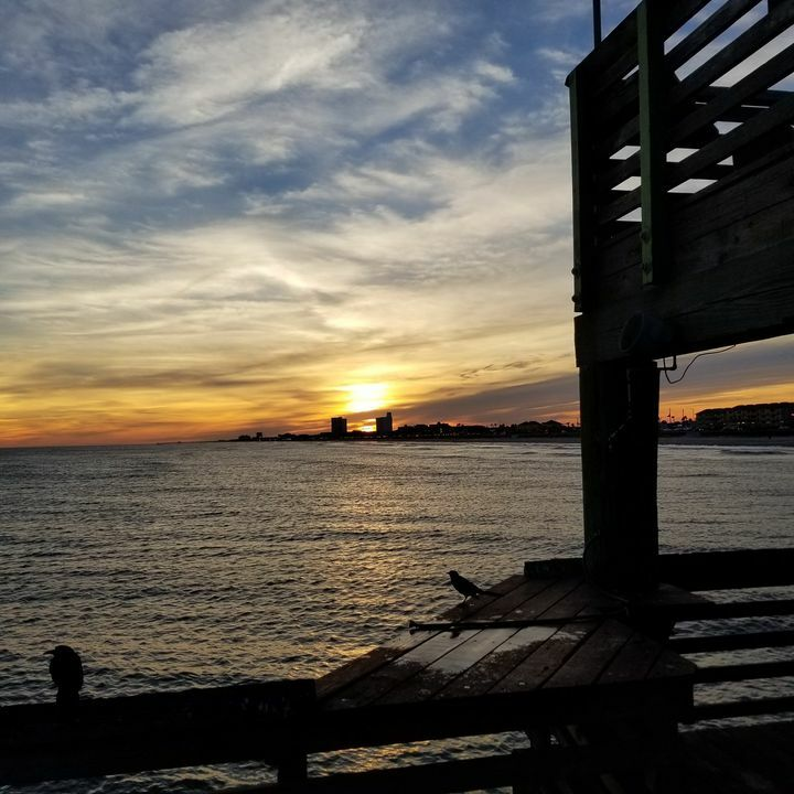 Beautiful Sunset today! #61stpier #61ststreetfishingpier #sunset #61stpier #Galveston #TX #Texas #Fishing #Pier #dock