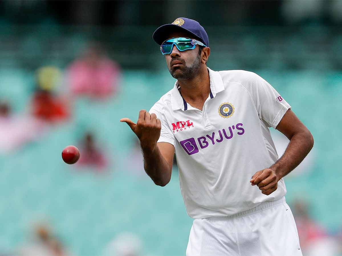 #INDvENG #INDvsENG   @ashwinravi99 holds the key for #TeamIndia: @MontyPanesar 🏏  Spinner feels hosts will miss @imjadeja despite Axar's inclusion for Tests against @englandcricket   More Here ⏩