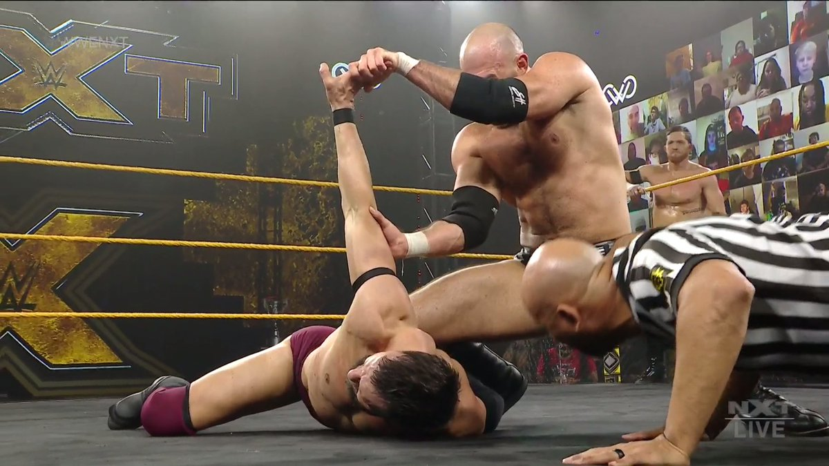 The arm is not supposed to bend like that. 😬 #WWENXT @ONEYLORCAN @FinnBalor