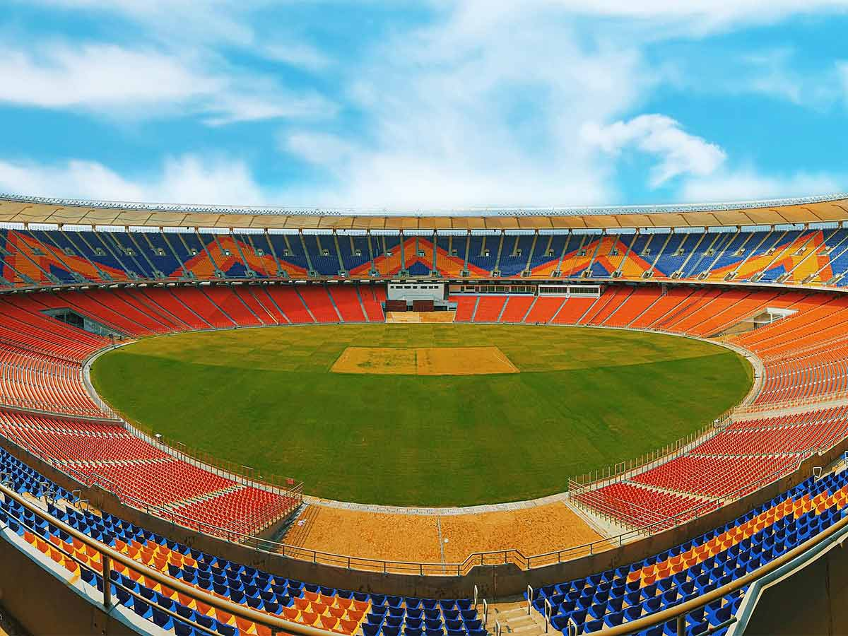 #INDvENG #INDvsENG   @BCCI hoping to get in fans at #Motera, Pune🏏  #BCCI is confident of getting fans in for the last two Tests and five T20Is at the revamped #Moterastadium in Ahmedabad and the three ODIs in Pune  Read More ▶️