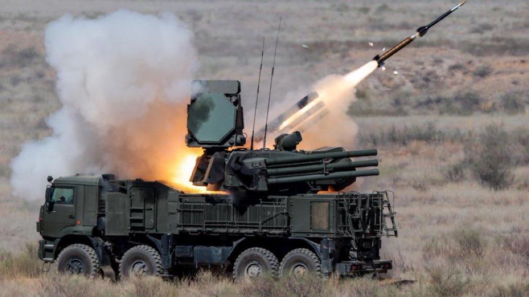 ذكرت صحيفة التايمز أن نظام الدفاع الجوي Pantsir-S1 روسي الصنع قد تم الاستيلاء عليه في ليبيا وتم تسليمه إلى الولايات المتحدة. حيث أرسلت طائرة C-17 في مهمة سرية إلى مطار زوارة في يونيو الماضي لنقل النظام إلى قاعدة أمريكية بألمانيا.