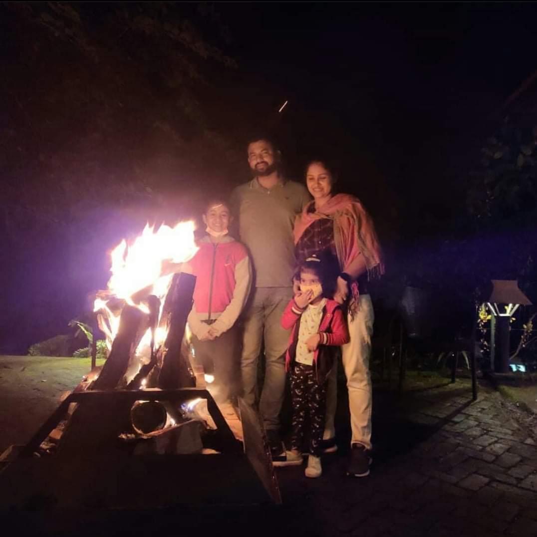 Cold air... dark night... warm fire... bright stars.... Celebrate great outdoors among the Tall Trees Munnar.  #munnarvibes #munnar #ttrmunar #munnardiaries #talltreesmunnar #talltreesresort #Hillstationholiday #honeymoondestination #familytime  #natureresort #naturephotography