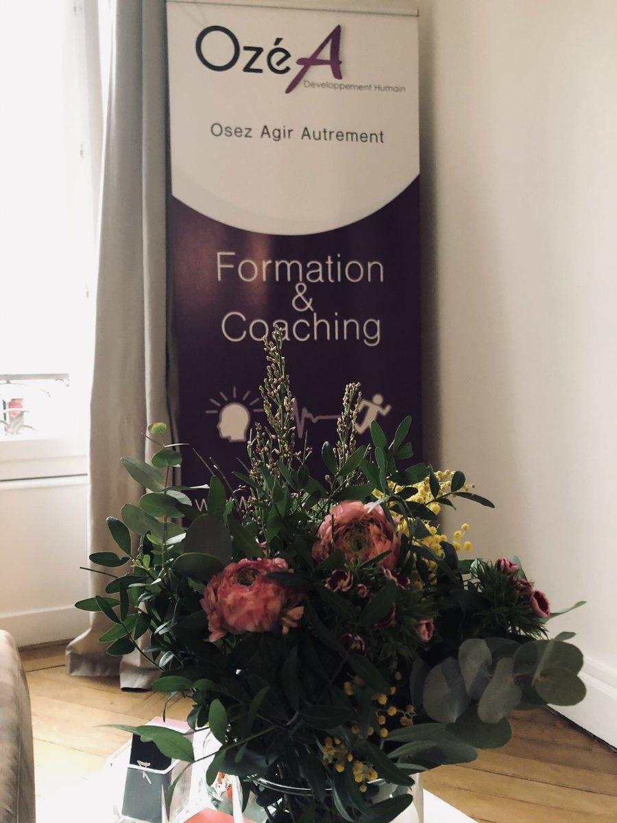 Client en Or 💛 M E R C I !  Sublime bouquet surprise livré ce matin chez OzéA 🙏🍀    #gratitude #surprise #mercibeaucoup #touchée #fleurs #bonheurautravail #joie  #coaching  #bilandecompetences  #formationpro  @Ozeadh