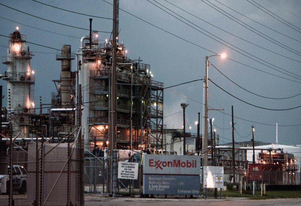 ". @EngineNo_1 already having an impact on @exxonmobil: ""Exxon Planning Board, Other Changes Amid Activist Pressure"" @WSJ #climate #climaterisk #greenfinance"