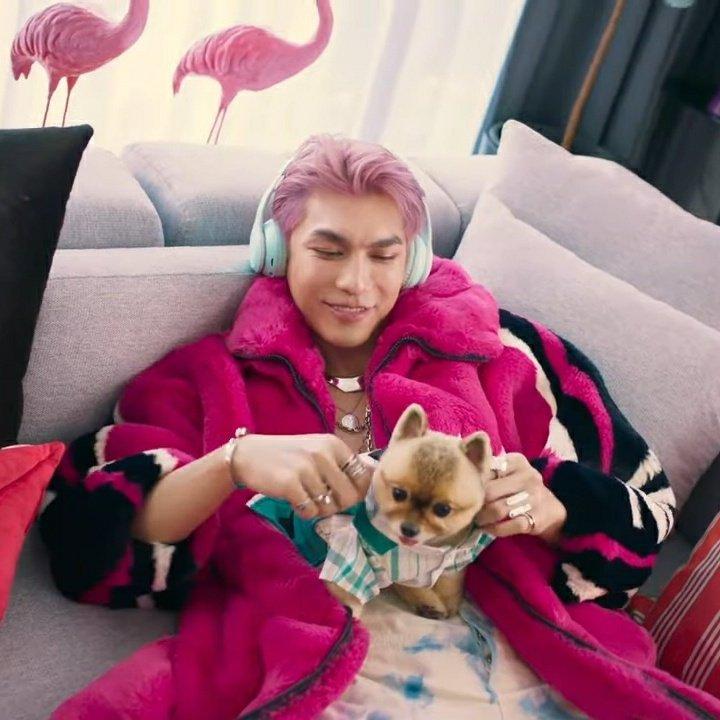 My idols in pink hair ft. Chopper 😍   #MewSuppasit  #ParkJimin   #YEONJUN  #MSSxGoodDay 🌸
