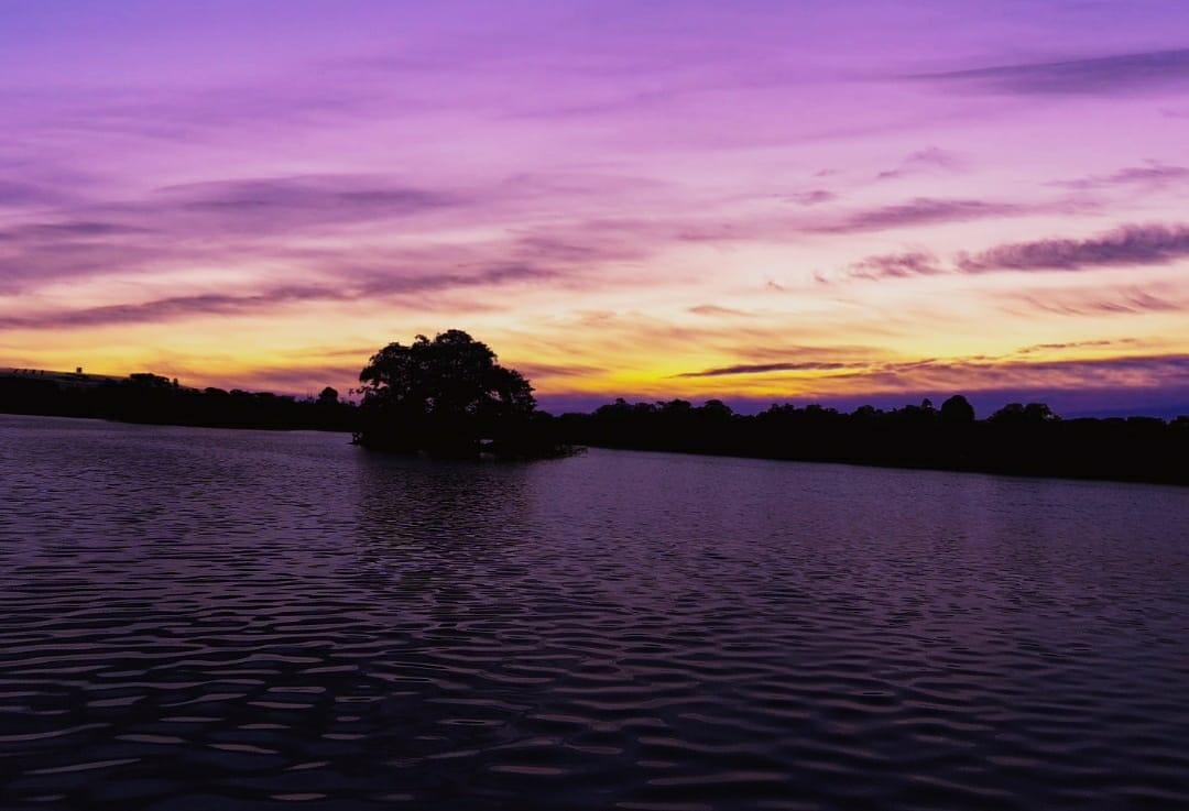 🧡💙 #photography #lake #landscape #sunset #trending #trendingnow #trend #photo #bestphotography #dslr #gopro #mobilephotography #sun #sky  #sunsetphotography #creative #creativity #creativephotography #creativeart #creator #evening #eveningphotography  #pink #pinksky