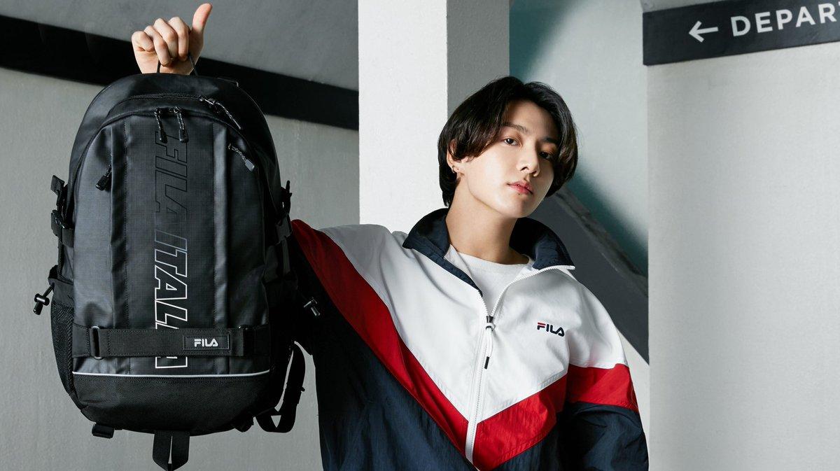 Did you see my bag? #JUNGKOOK #BTS @BTS_twt @fila_korea https://t.co/PX4fHP8ioz