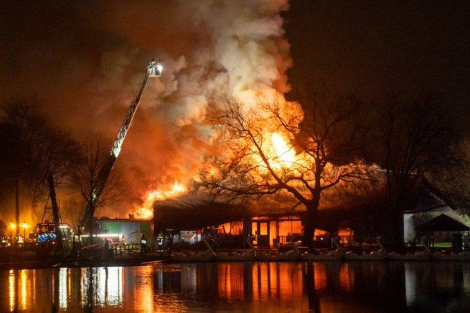Minderjarige aangehouden voor brand Plaswijckpark https://t.co/UbOrw3JnMv https://t.co/14qYdtpd2z