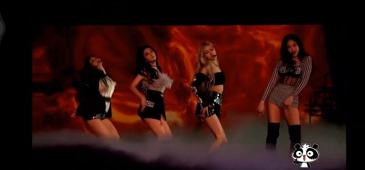 @US_Blinks @BLACKPINK PRETTY SAVAGE ON CORDEN  #BLACKPINKXCORDEN #PURRR @BLACKPINK #BLACKPINK  Ive watched it on twitch ❣️ hope i get picked 😭🤞THANK YOUUU