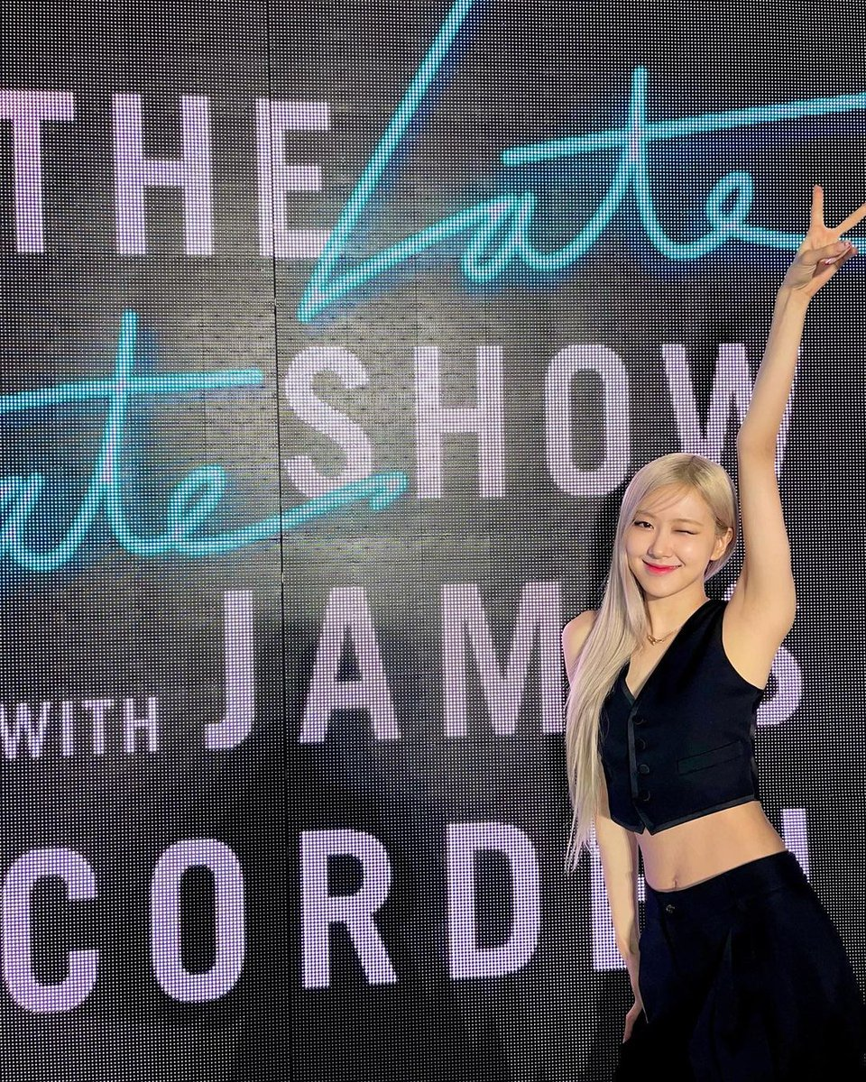"""[IG] roses_are_rosie:  """"Thank you @latelateshow for having us again! ✨✨ We always have the best time chatting and performing for you guys 👯♀️👯♀️ Who's ready for The Show??""""  #BLACKPINKxCORDEN #ROSÉ @BLACKPINK."""