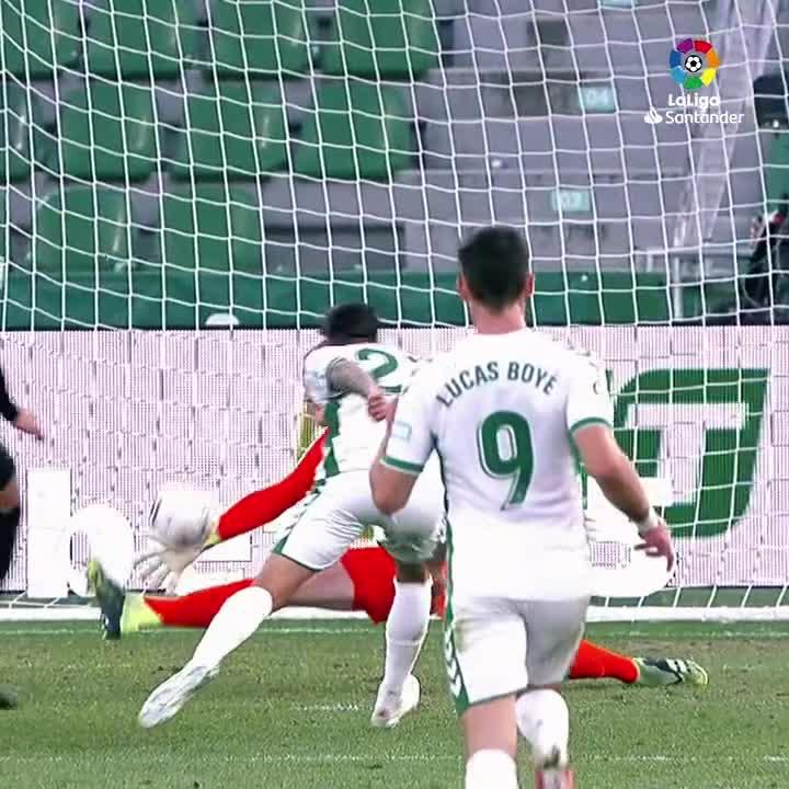 🔐 @alvaroferllo98  🔐 @joelroblesb  🔐 @edgarbadia  🔐 Jaume Domenech  🔐 @mterstegen1   ✍️ ____________ made the best save from Matchday 20 of #LaLigaSantander!   #YouHaveToLiveIt