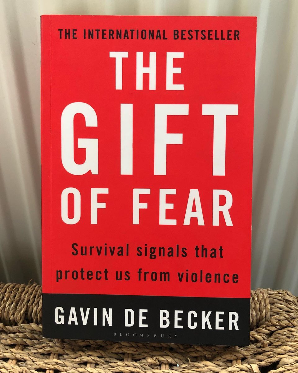 🔔 My #TBT review of The Gift of Fear is up! 🔔  See my instagram page for my review 📝    #Bookaholic #CurrentRead #Bookclub #LockdownRead #GoodReads #BookRecommendations #LoveBooks #BookReviews #BookBlogger #Bookworm #TBT    #TheGiftofFear #GavinDeBecker