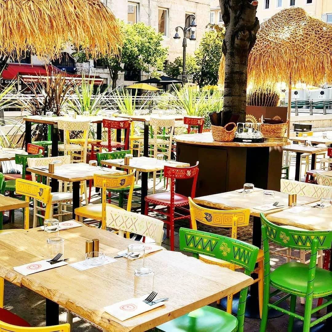 Décoration de chaises pour le INTI Marseille #déco #colors #décoration #illustration #marker #ink #handmade #drawing #restaurant #inti #perou #Peru #péruvianfood #food #couleur #ceviche #inca #muchupicchu #pollo #papas #pisco #inti #sun #soleil #pachamama #marseille #designmaker