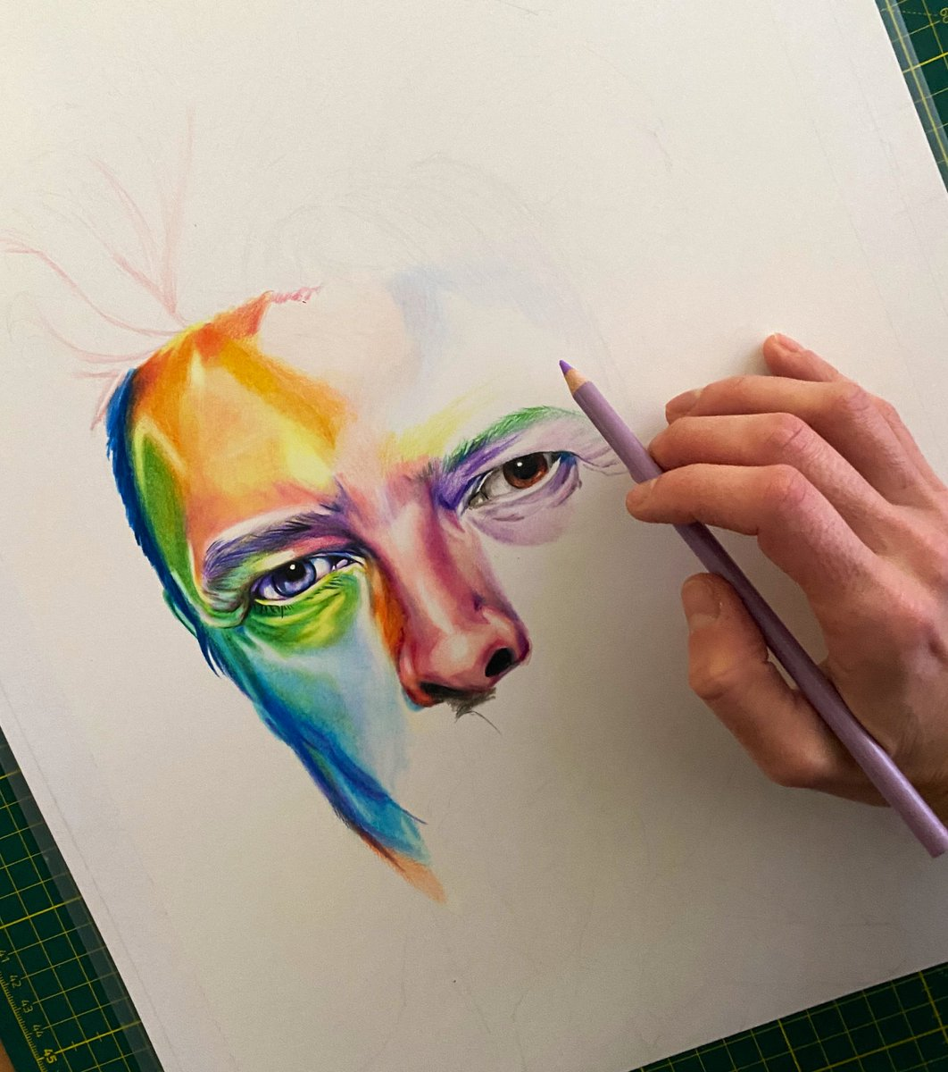 Early stages of what I hope will be a very cool David Bowie portrait. (A3) Materials: Prismacolor and Luminance pencils on Bristol Smooth 270gr paper. I'm picking the colors for the face randomly 🙈. Let me know what you think! #artwork #drawing #illustration #DavidBowie #arte