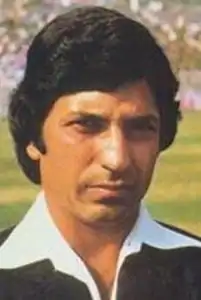 The pair added 204, of which Surinder got 124.  The Amarnaths, Lala and Surinder, thus became the first (and till date, only) father-son pair to score hundreds on Test debut.  With Gavaskar scoring 116 and Mohinder Amarnath 64, and India reached 414 (Congdon 5/65). +