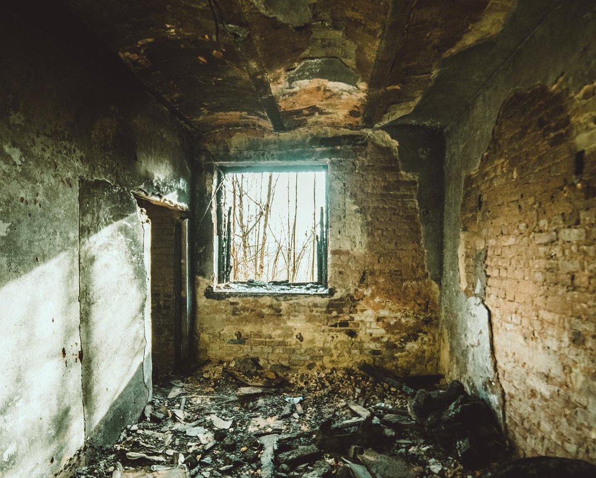 Long #forgotten   #abandoned #abandonedplaces #creepy #scary #photography #nikon #uwa