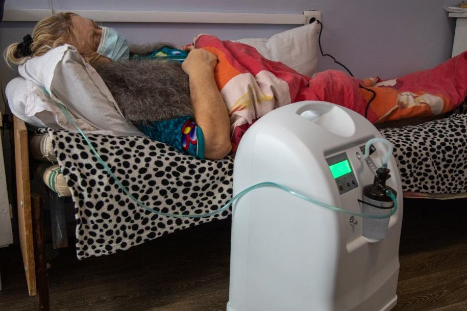 📢After nearly 7 years of conflict, #COVID19 pandemic is further straining hospitals in eastern Ukraine. Five regions in eastern #Ukraine received 1️⃣0️⃣0️⃣ #oxygen concentrators procured by UNICEF with 🤝financial support from the German Government  👉🏻