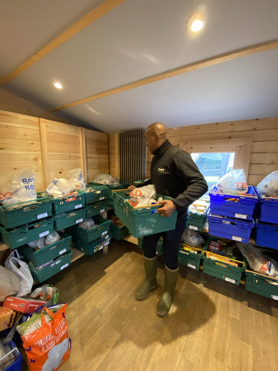It's absolutely heartbreaking how busy the Foodbank has been these past few weeks. Never again will I take having food in the cupboard at home for granted. I am so thankful to everyone who helped us to get it up and running, especially everyone @FlintshireFoodB @DionDublinsDube
