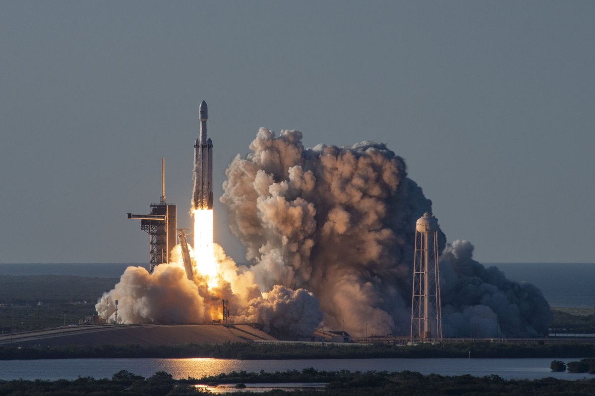 NASA has selected Falcon Heavy to launch the first two elements of the lunar Gateway together on one mission!